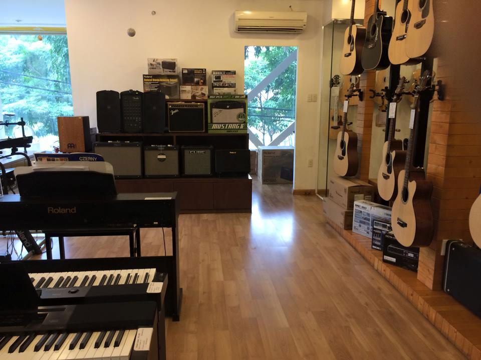 Cần bán đàn Organ Yamaha PSR - 2000 - 1