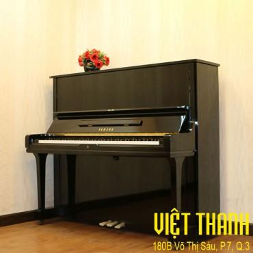 Yamaha U1F