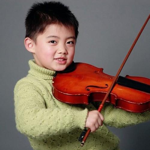 Khi nào thì nên cho bé học đàn piano và violin