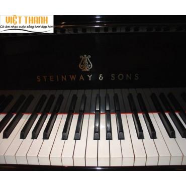 Steinway & Sons M-170