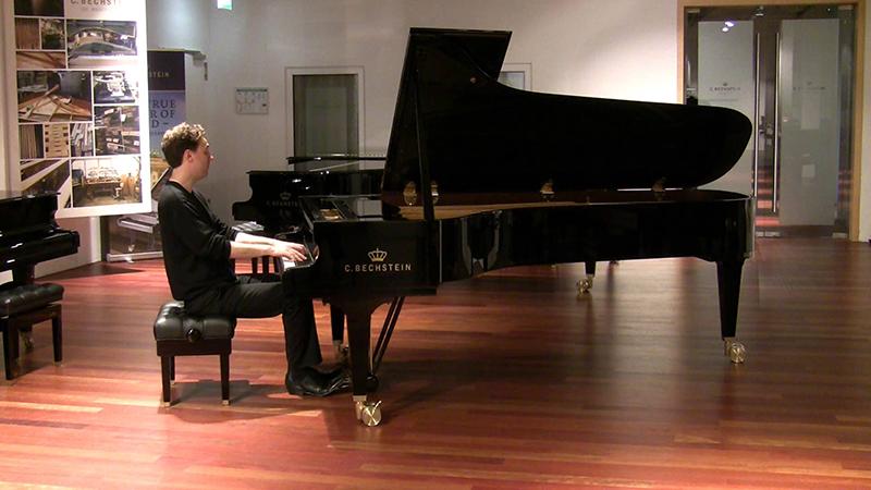 đàn piano Châu  Âu